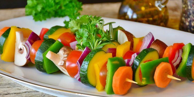 Qual é a diferença entre veganos e vegetarianos